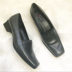 Ecco black leather loafer block heel shoes size 40
